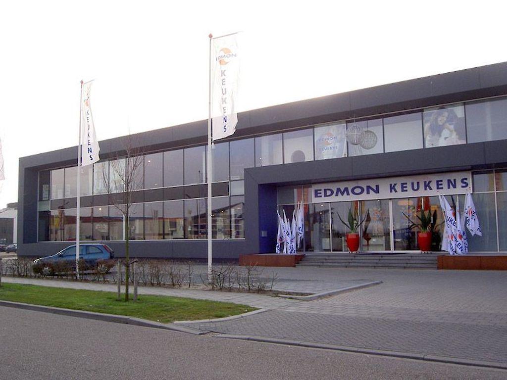 Edmon Keukens Ontwerpen : Showroom edmond keukens heerhugowaard schermer installatietechniek
